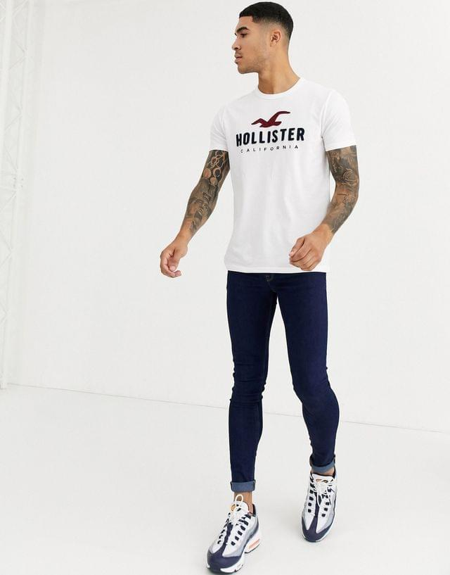 MEN Hollister iconic tech applique logo t-shirt in white