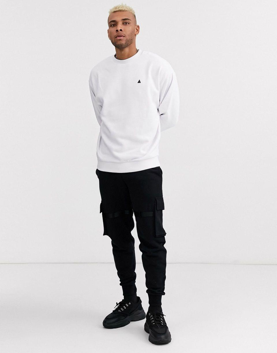 Men's oversized sweatshirt in white with triangle