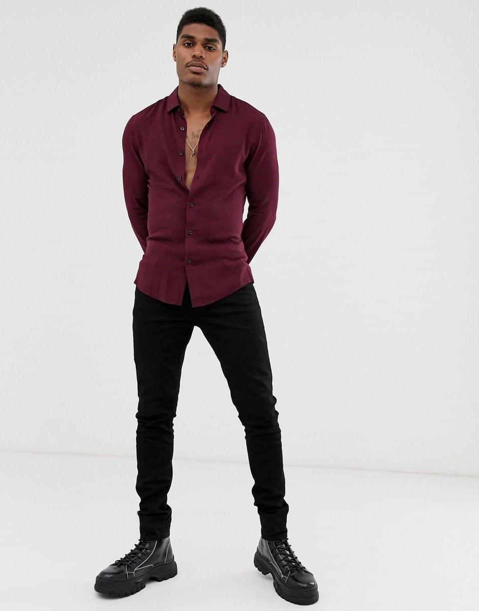 Men's muscle viscose shirt in burgundy