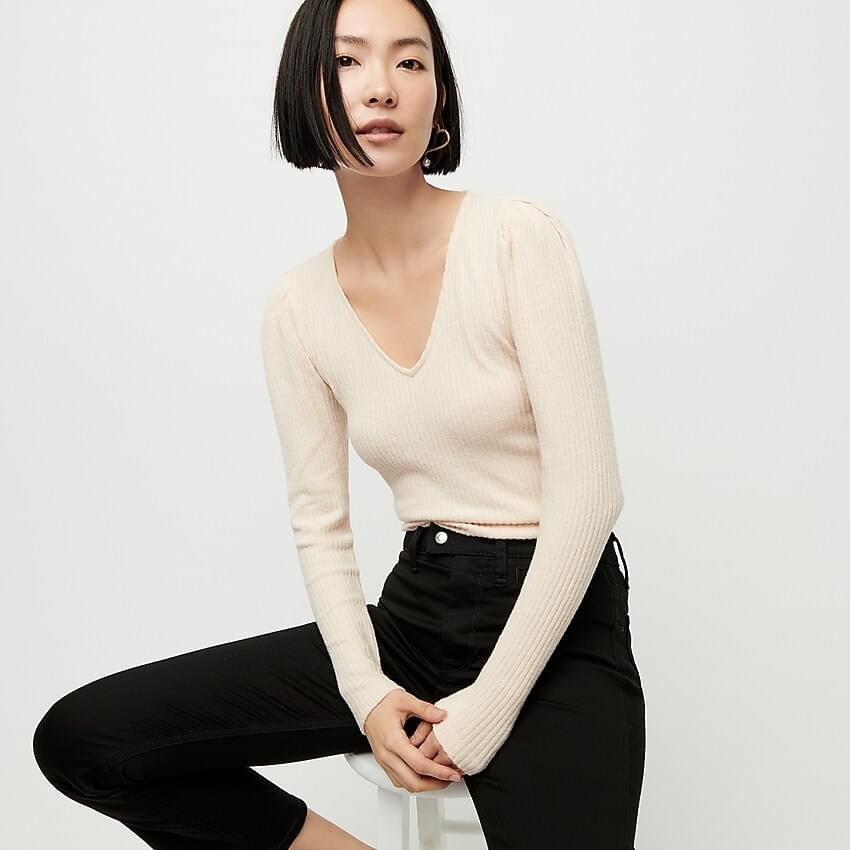 Women's Long sleeve V-neck T-shirt with puffed sleeves