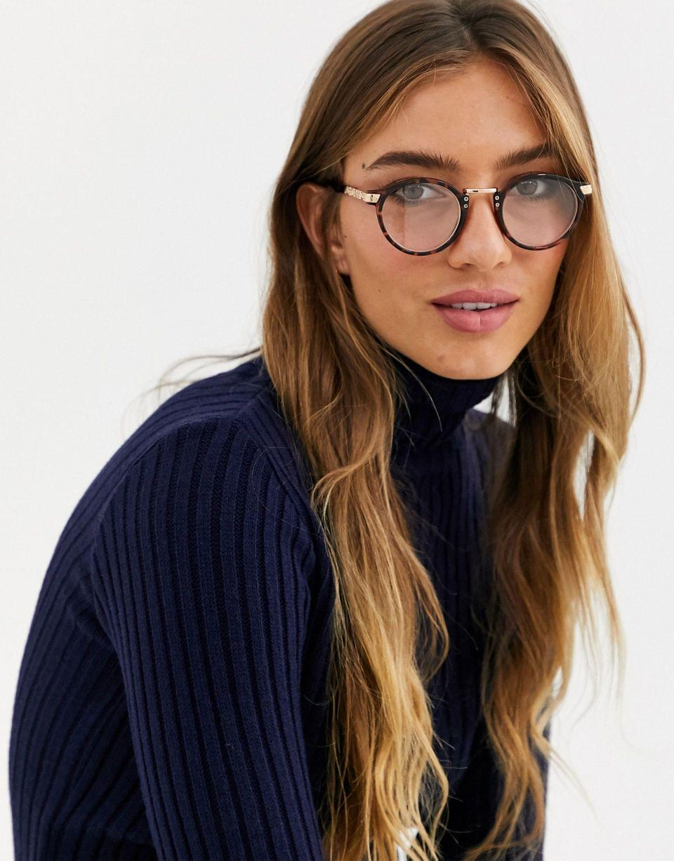Women's vintage round clear lens glasses in tort
