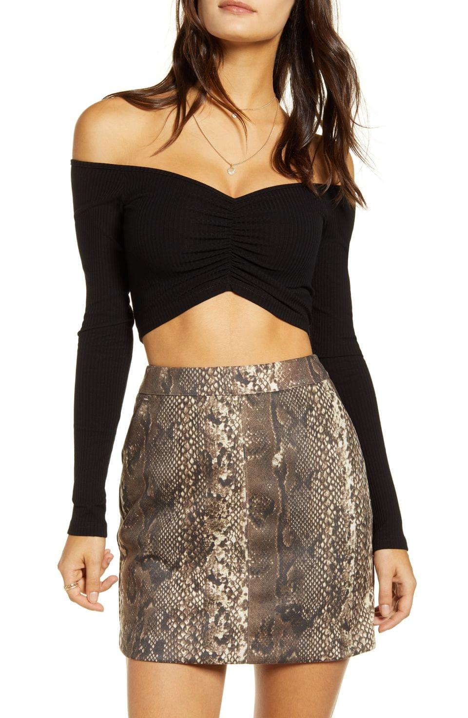 Women's Tiger Mist Sweetheart Off the Shoulder Long Sleeve Stretch Cotton Crop Top