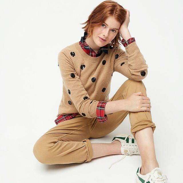 WOMEN Everyday cashmere crewneck sweater in sequin polka dots