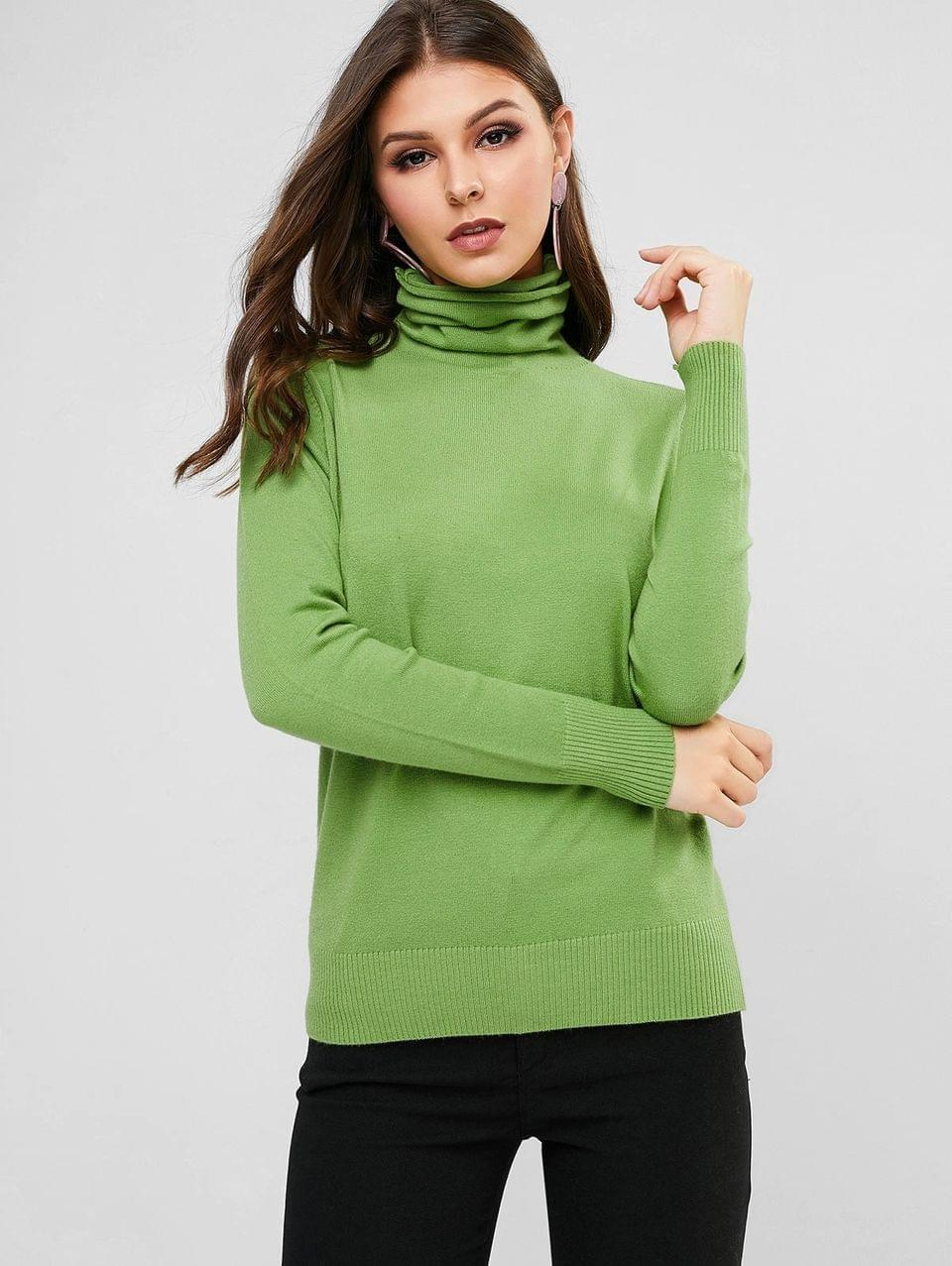 Women's Solid Ribbed Hem Turtleneck Pullover Sweater - Green Peas