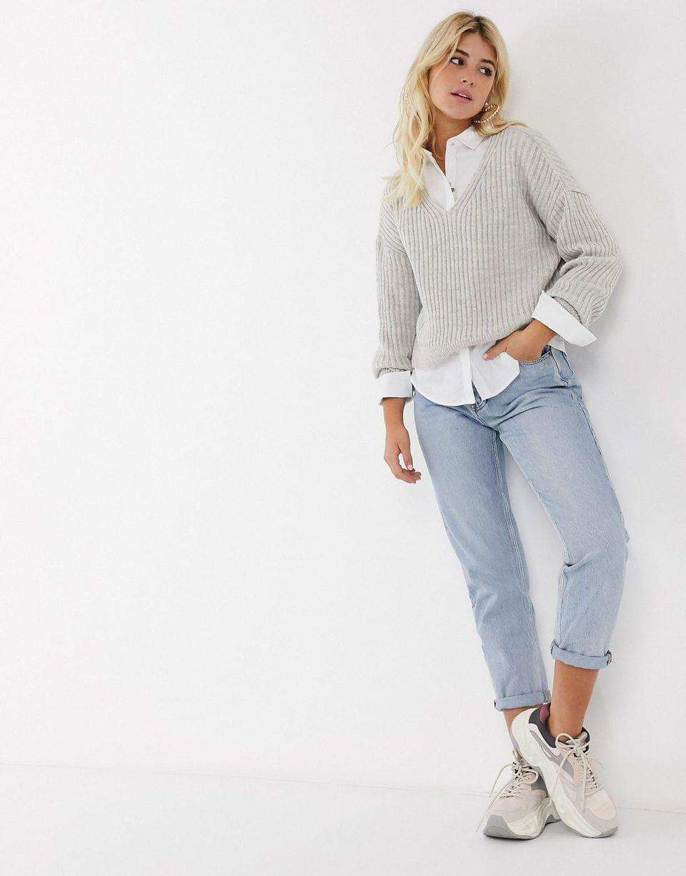 Women's New Look v neck crop sweater in gray