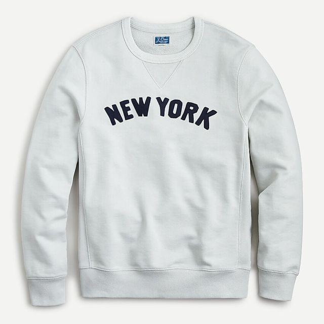 "MEN Garment-dyed french terry ""New York"" graphic crewneck sweatshirt"