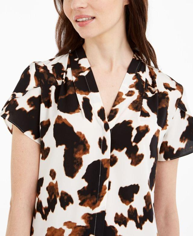 WOMEN Cow-Print V-Neck Top