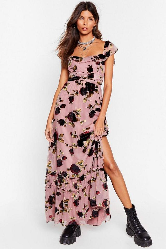 WOMEN Rose and Conquer Floral Velvet Dress