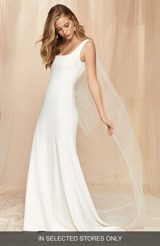 WOMEN Savannah Miller Stella Crepe Wedding Dress with Removable Tulle Cape Veil