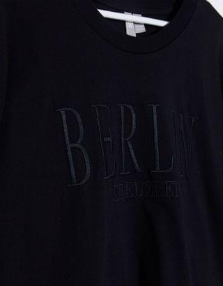 WOMEN Curve oversized t-shirt with tonal Berlin city embroidery