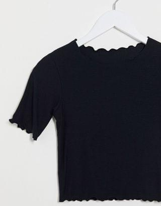 WOMEN crew neck top with lettuce edge in rib in black