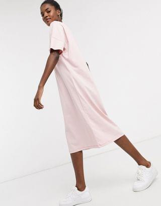 WOMEN Noisy May midi t-shirt dress with pocket detail in baby pink