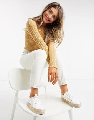 WOMEN crew neck ribbed sweater in camel
