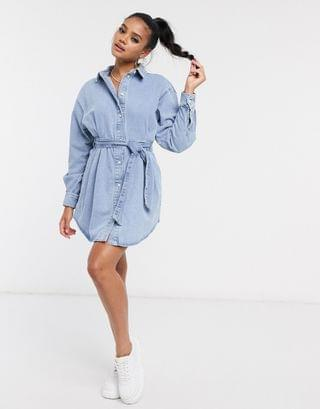 WOMEN denim cinched in belted shirt dress in midwash blue