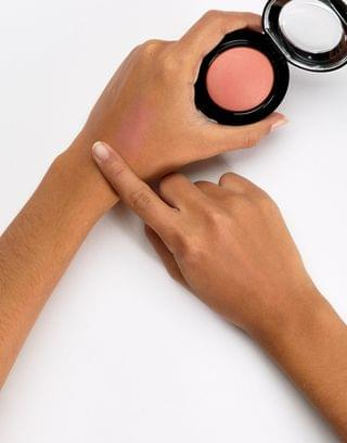 MAC Mineralize Blush in Like Me Love Me