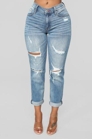 WOMEN Gerrit Boyfriend Jeans - Medium Blue Wash