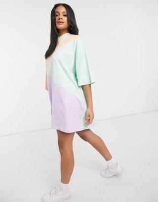 WOMEN oversized t-shirt dress with cut about pastel color block
