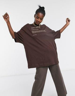 COLLUSION Unisex extreme oversized t-shirt with print in brown
