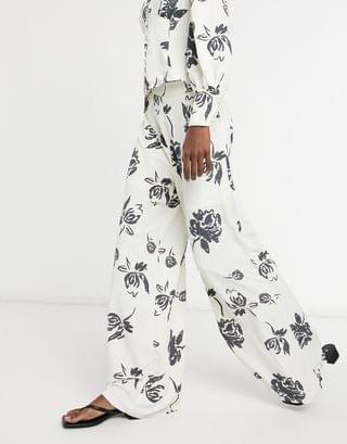WOMEN Glamorous wide leg pants in bold floral two-piece