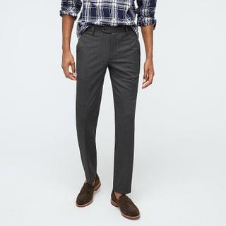 MEN Bowery Slim-fit dress pant in stretch oxford