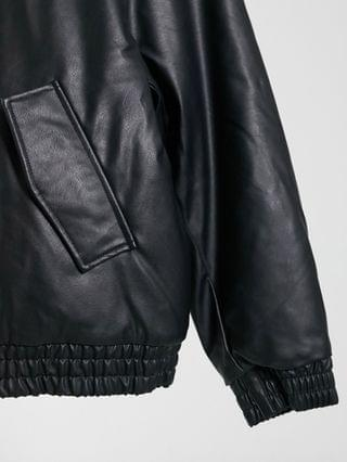 WOMEN Curve cropped leather-look bomber jacket in black