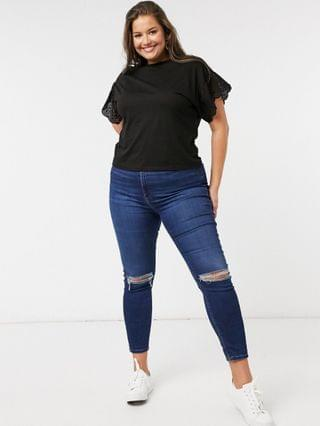 WOMEN Wednesday's Girl curve relaxed t-shirt with broderie trim sleeves