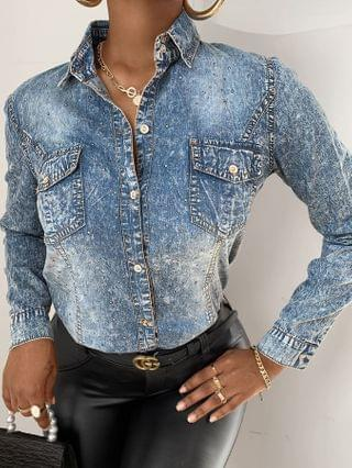 WOMEN Studded Buttoned Pocket Design Denim Shirt