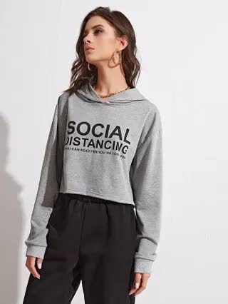 WOMEN Slogan Graphic Drop Shoulder Crop Hoodie