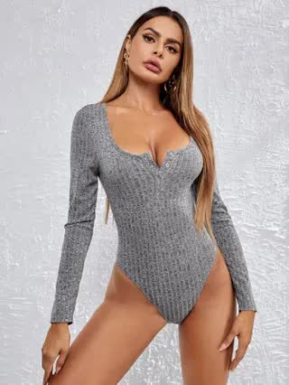 WOMEN Scoop Neck Press Buttoned Front Marled Bodysuit