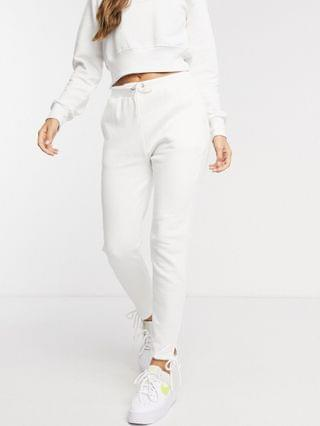 WOMEN South Beach cropped hoodie and slim fit sweatpants in white