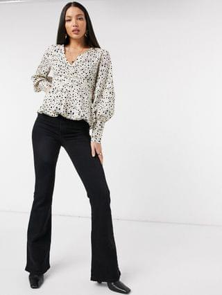 WOMEN Vero Moda Tall wrap top in beige spot print