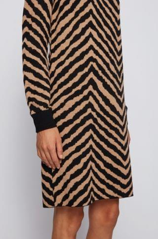 WOMEN Jacquard-knit dress with collection-themed chevron pattern