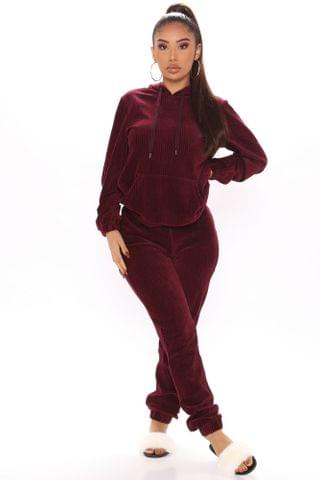 WOMEN Act Accordingly Ribbed Hoodie And Jogger Set - Burgundy