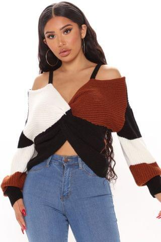 WOMEN Fall Fave Striped Twist Sweater - Camel