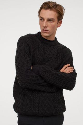 MEN Cable-knit Sweater