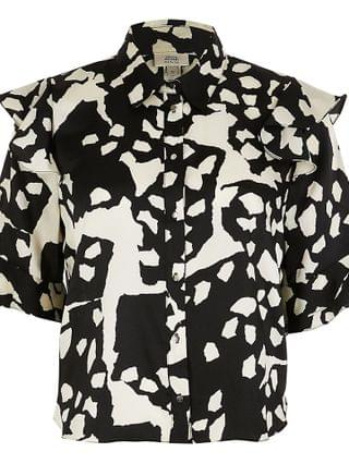 WOMEN Petite black short sleeve animal print shirt