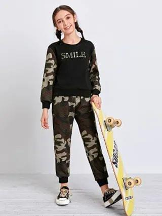 KIDS Letter Graphic Camo Quilted Pullover & Joggers Set