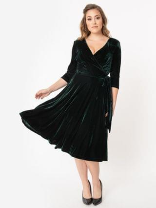 WOMEN Unique Vintage 1940s Style Emerald Velvet Kelsie Wrap Dress