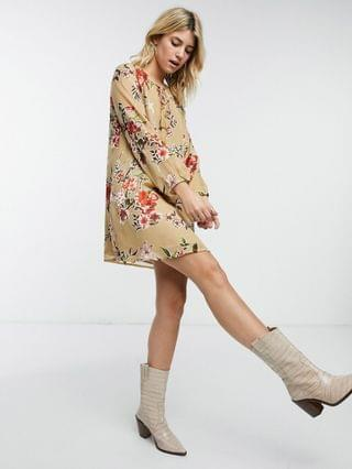 WOMEN En Cr me swing dress in vintage floral and neck cut out detail