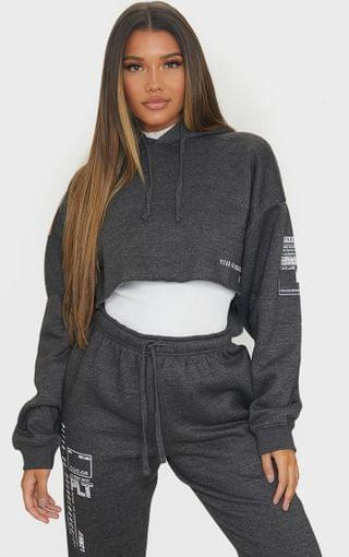 WOMEN PRETTYLITTLETHING Charcoal Grey Branded Archive Printed Cropped Hoodie