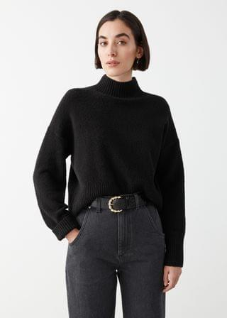 WOMEN Cropped Mock Neck Sweater