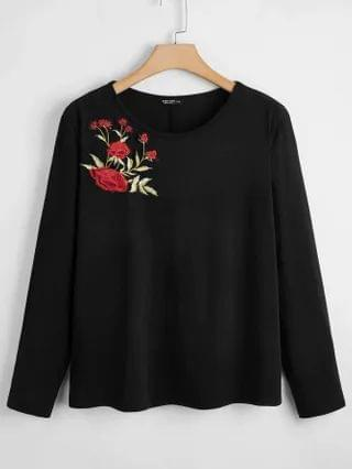 WOMEN Plus Flower Embroidered Tee