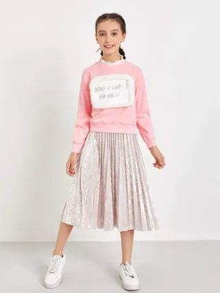 KIDS Letter Graphic Contrast Faux Fur Pullover & Velvet Pleated Skirt Set