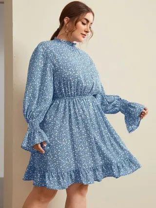 WOMEN Plus Bell Sleeve Shirred Panel Ditsy Floral Dress
