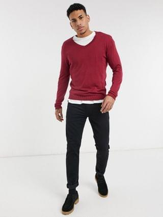 midweight cotton v neck sweater in raspberry