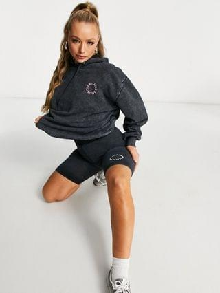 WOMEN Weekend Collective legging shorts with logo in washed charcoal