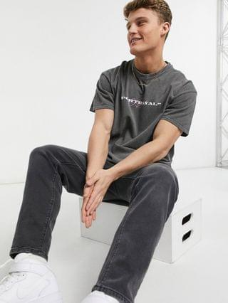 TEST NEW LOOK OVERDYE T-SHIRT WITH  New Look overdye T-shirt with 'Portrayal' print in gray