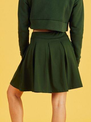 WOMEN New Balance pleated skirt in green- exclusive to