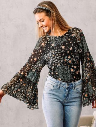 WOMEN Willow & Root Floral Bell Sleeve Boho Top