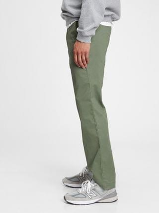 MEN Modern Khakis in Straight Fit with GapFlex